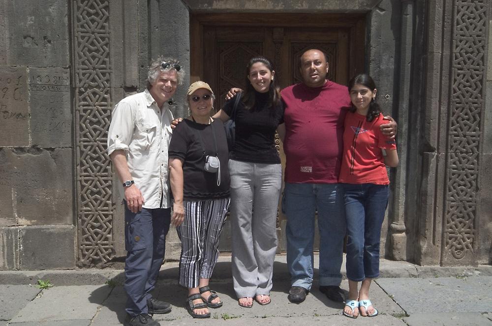 wij-en-ashot-family-jpg