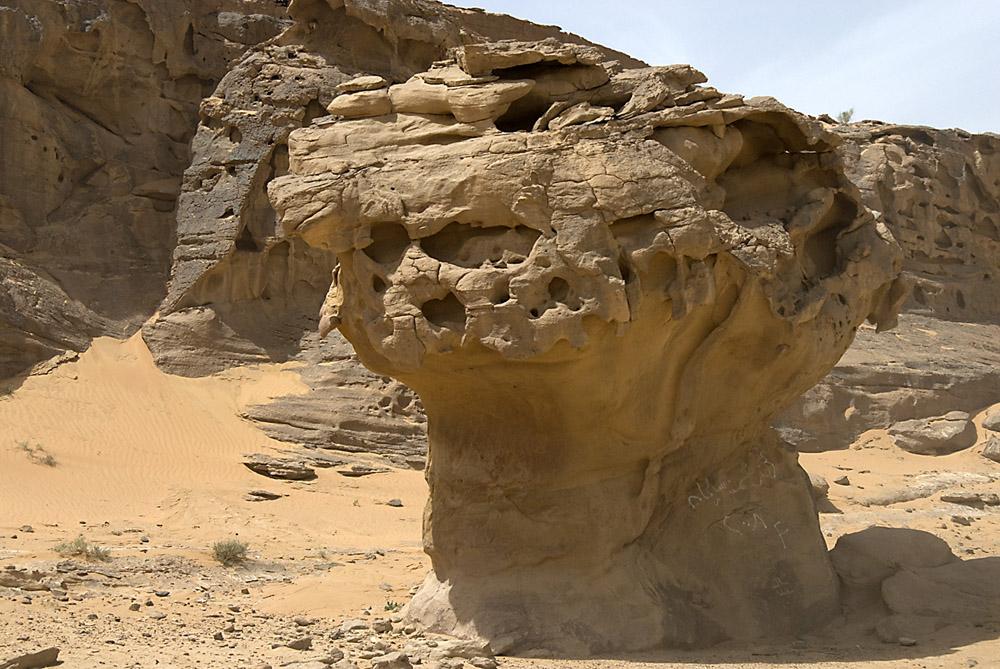 wind-erosie-in-woestijn-jpg