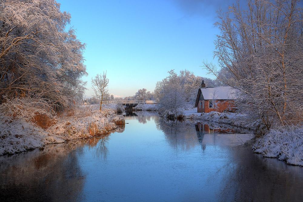 weerribben huisje sneeuw 1000.jpg