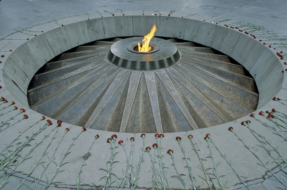genocide-monument-detail-web-jpg