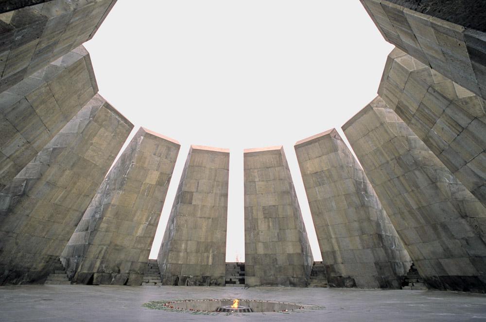 web-genocide-monument-jpg