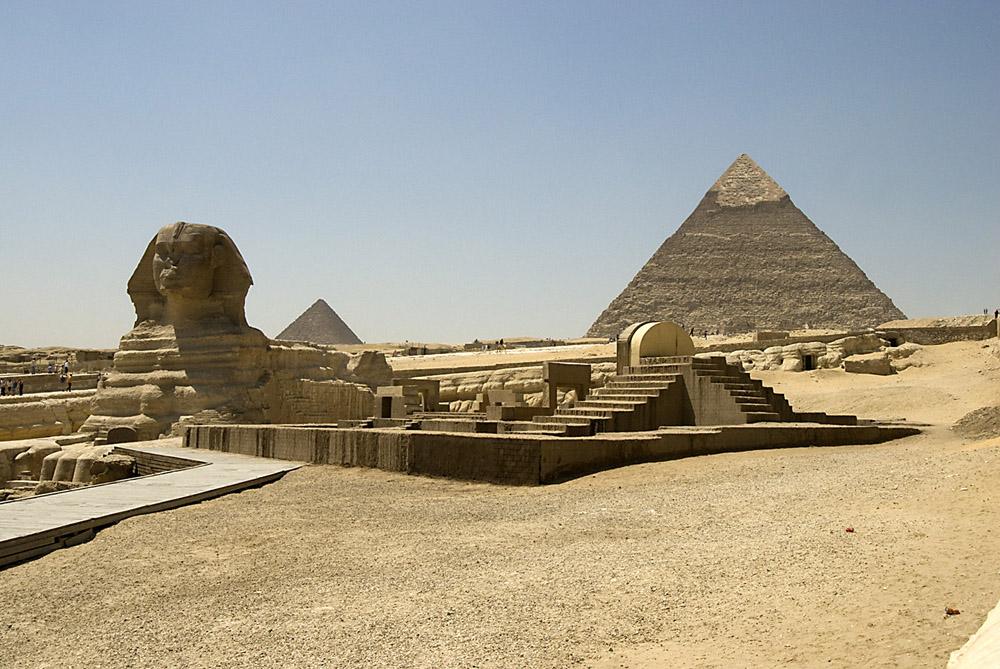 sfinx-plus-piramide-jpg