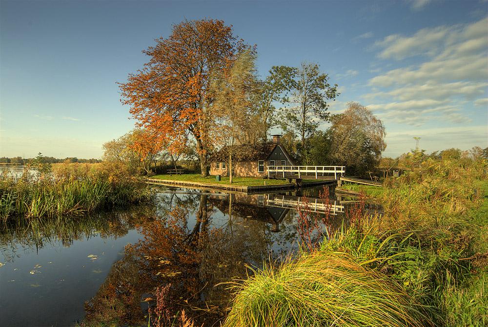 weerribben-huisje-herfst-jpg