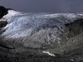 gletsjer-donkere-lucht-jpg